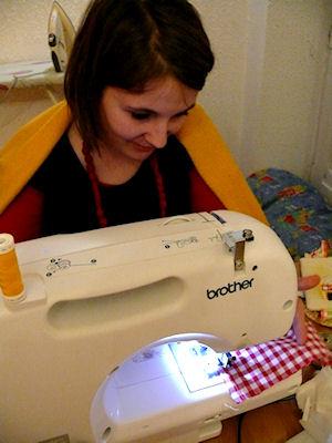 http://scrap.en.folie.free.fr/apourblog/atelier/CoutureFevrier12/Image15.jpg