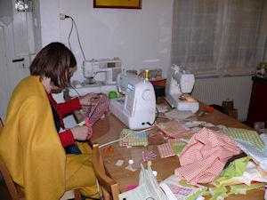 http://scrap.en.folie.free.fr/apourblog/atelier/CoutureFevrier12/Image20.jpg