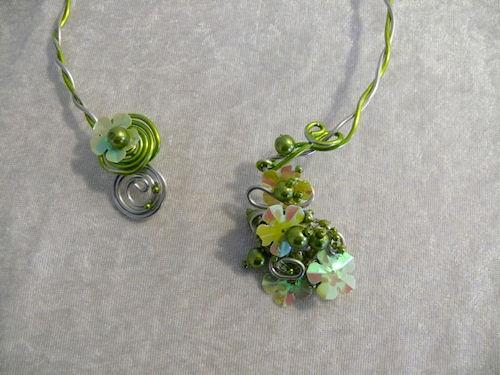 http://scrap.en.folie.free.fr/apourblog/bijoux/2010/GLOBALMARCHE/Image17.jpg