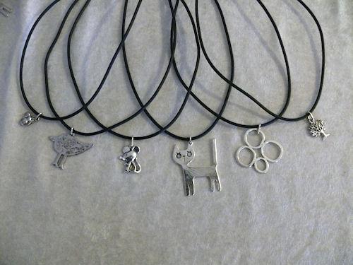 http://scrap.en.folie.free.fr/apourblog/bijoux/2010/GLOBALMARCHE/Image19.jpg