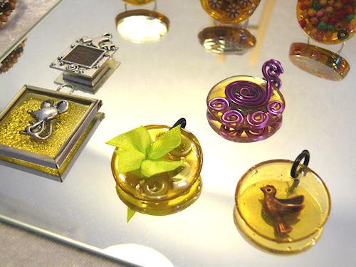 http://scrap.en.folie.free.fr/apourblog/bijoux/2010/GLOBALMARCHE/Image3.jpg