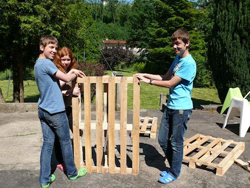 http://scrap.en.folie.free.fr/apourblog/cotejardin/Juin2012/bacboutescalier/Image19.jpg