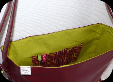 http://scrap.en.folie.free.fr/apourblog/couture/BESACE/SimiliCuirCARREAU/Image20.jpg