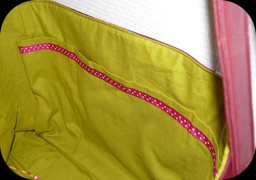 http://scrap.en.folie.free.fr/apourblog/couture/BESACE/SimiliCuirCARREAU/Image24.jpg