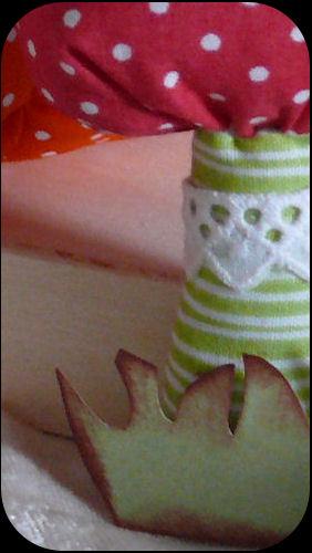 http://scrap.en.folie.free.fr/apourblog/couture/automne/pommechampipoirecitrouille2012/echantillon/Image9.jpg