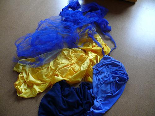 http://scrap.en.folie.free.fr/apourblog/couture/blancheneige/Image1a.jpg