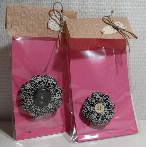 http://scrap.en.folie.free.fr/apourblog/couture/fleurs%20tissu/Image24.jpg