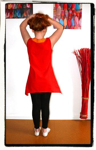 http://scrap.en.folie.free.fr/apourblog/couture/vetement/tuniqueassymetriques/orlane/1/Image3.jpg