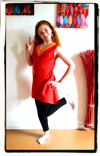 http://scrap.en.folie.free.fr/apourblog/couture/vetement/tuniqueassymetriques/orlane/1/Image8.jpg