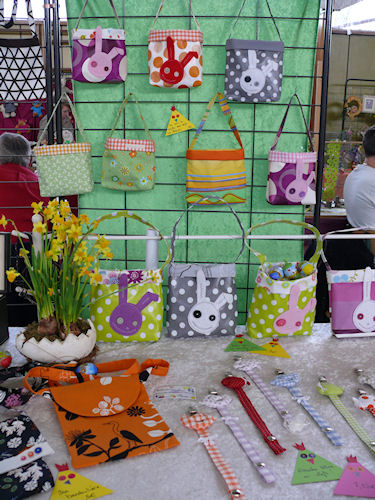 http://scrap.en.folie.free.fr/apourblog/marchepaques3avril2011/Image2.jpg