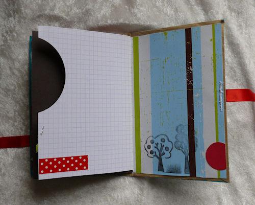 http://scrap.en.folie.free.fr/apourblog/minialbum/2012/MINIVIERGE2AVRIL2012/Image16.jpg