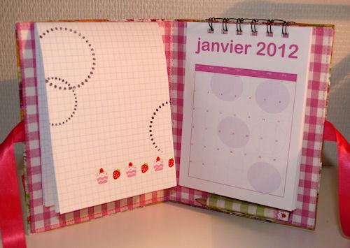 http://scrap.en.folie.free.fr/apourblog/minialbum/2012/calendrier/1/Image3.jpg