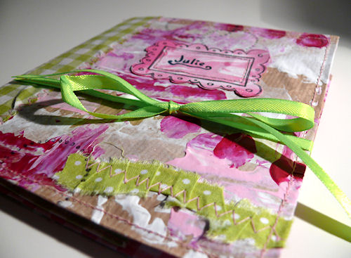 http://scrap.en.folie.free.fr/apourblog/minialbum/2012/calendrier/2julie/Image1.jpg