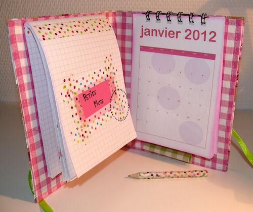 http://scrap.en.folie.free.fr/apourblog/minialbum/2012/calendrier/2julie/Image3.jpg