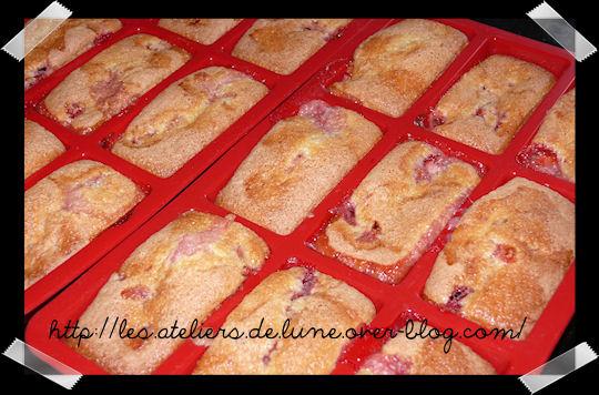 http://scrap.en.folie.free.fr/apourblog/recettes/dessert/gateau/PommeFRAISE2.jpg