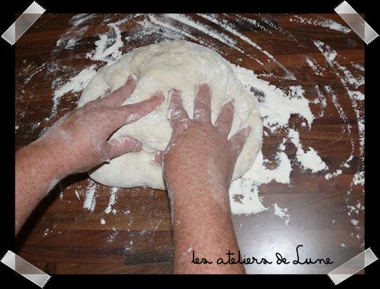 http://scrap.en.folie.free.fr/apourblog/recettes/pizza/Image1.jpg