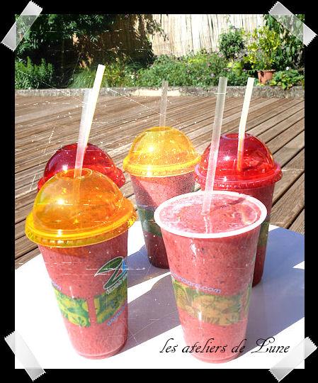 http://scrap.en.folie.free.fr/apourblog/recettes/smoothie/myrtilleFraise/smoothieaout2013.jpg